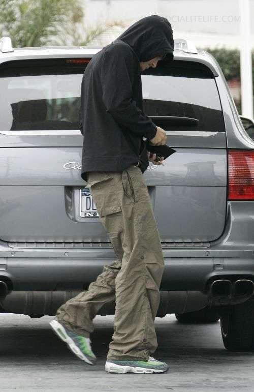 JM Kicks: John Mayer spotted wearing Nike Air Max 95